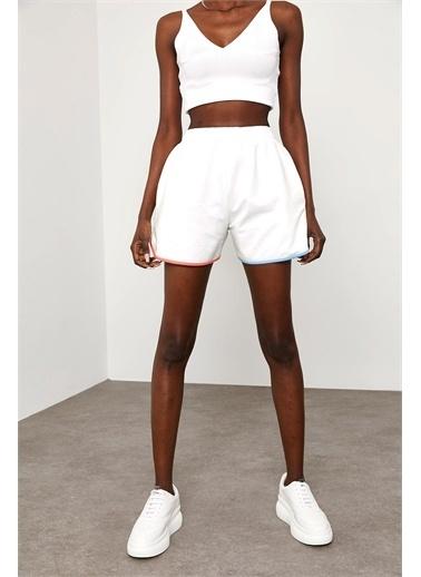 XHAN Beyaz Renkli Biyeli Şort 1Kxk8-44835-01 Beyaz